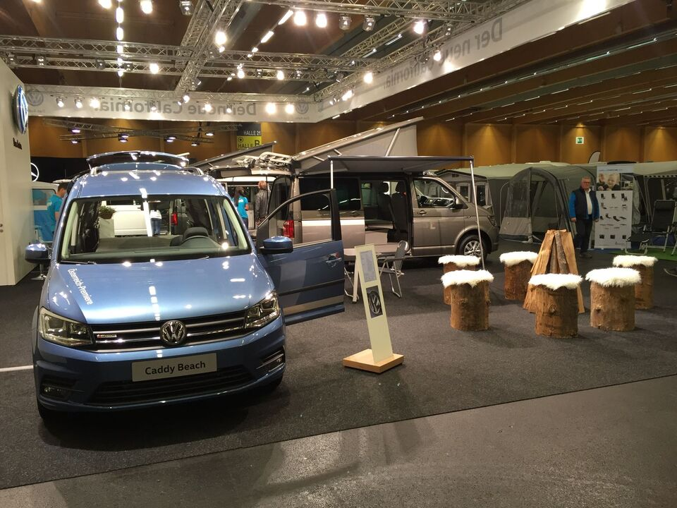 VW Caddy Beach blau Caravan Salon Wels