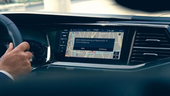 VW Multivan 6.1 Display mit der We Connect Online-Verkehrsinformation